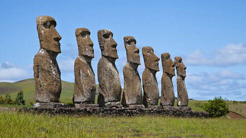 chile-moai-statues.ngsversion.1396559157232.jpg