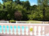 Abreuvoir, zwembad met tuin