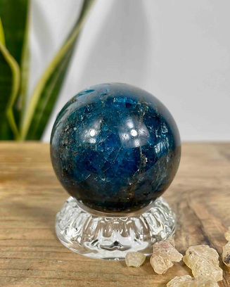 blue-apitite-sphere-on-glass-stand