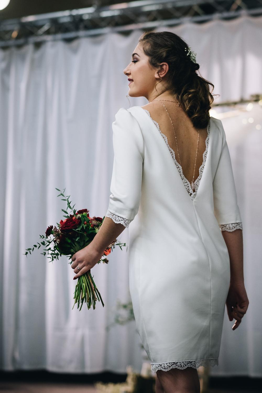Robe de mariée droite Aux Fils de l'Histoire