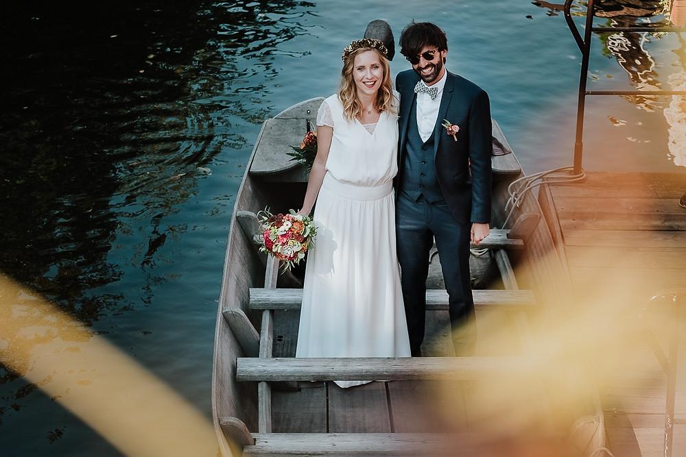 mariés sur barque à COLMAR