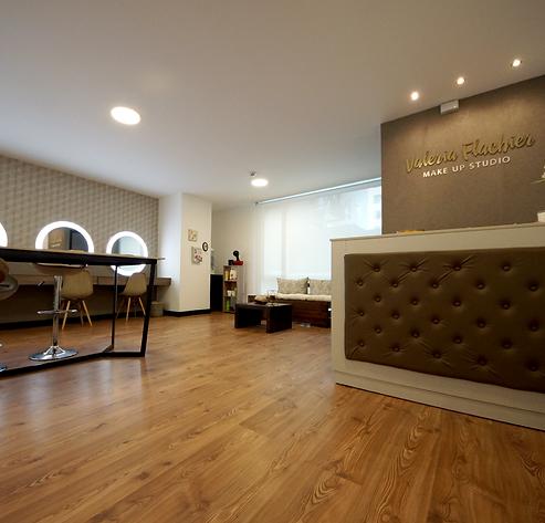 Diseño interior para locales comerciales, construcción de mobiliario para locales comerciales en Quito y Guayaquil
