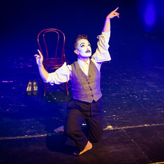Pi the Mime performs '9 to Pi'