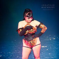 Freida Nipples performs 'Pump it'
