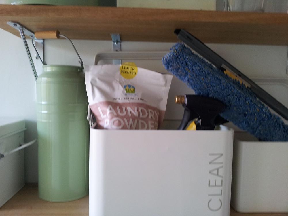 The Family Hub Organics Laundry Powder