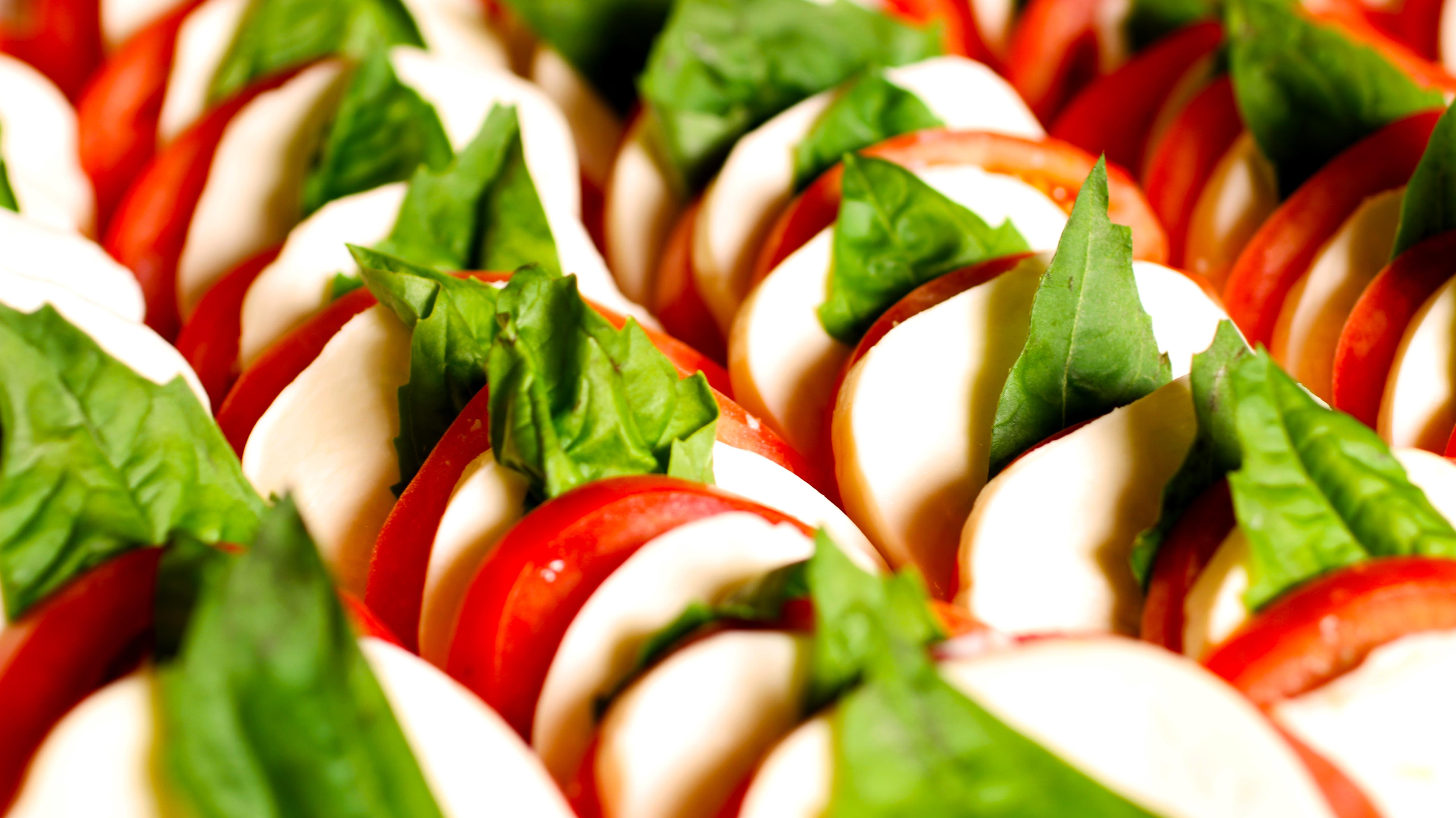 Salada tomate e Mussarela de Búfala