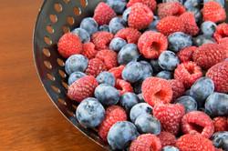 Framboesas e blueberries