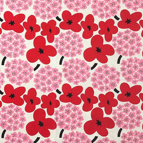 Hydrangea (pink) Poppies (red)