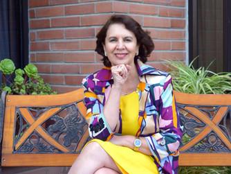 Rosalía Arteaga fue nombrada presidenta honoraria de International Women's Club