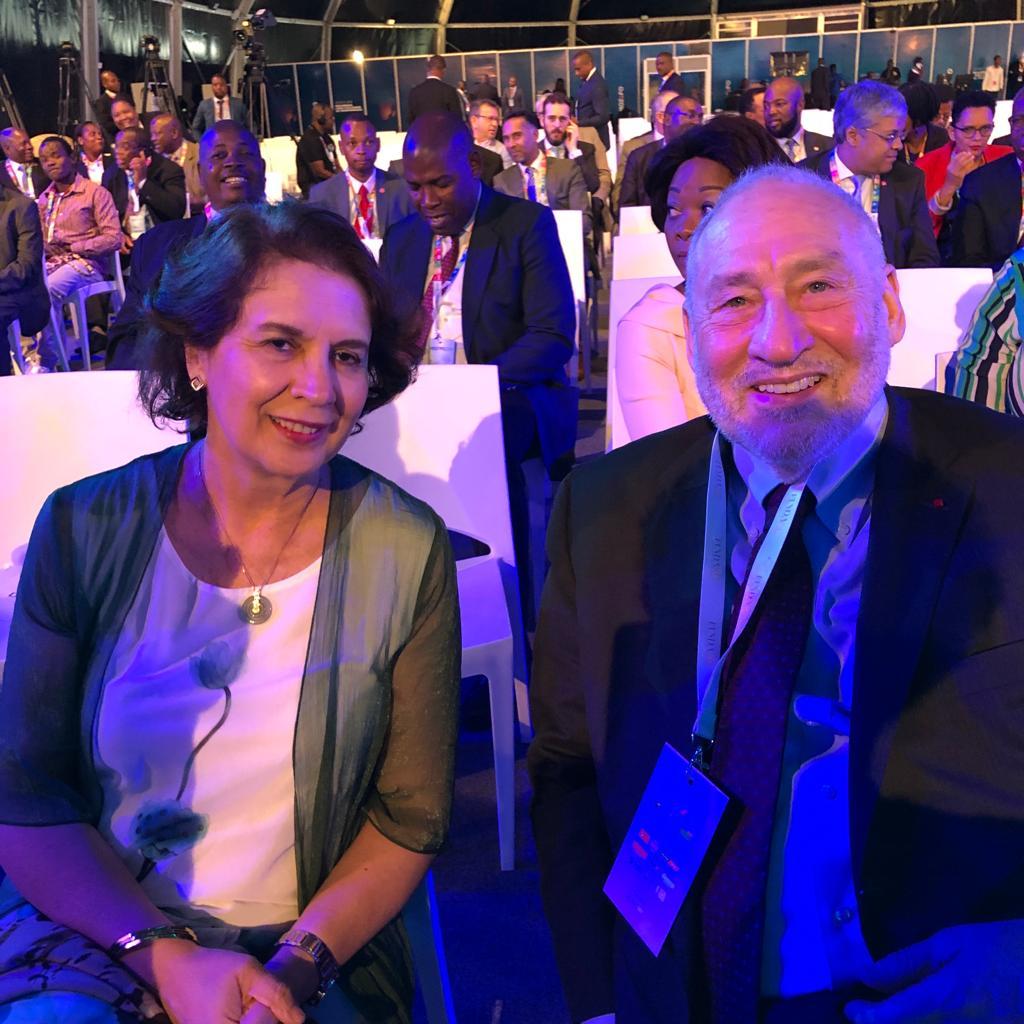 Con Joseph Stiglitz mozefo