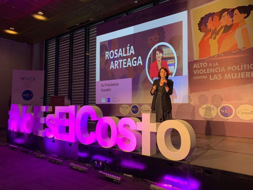 Rosalía Arteaga 2