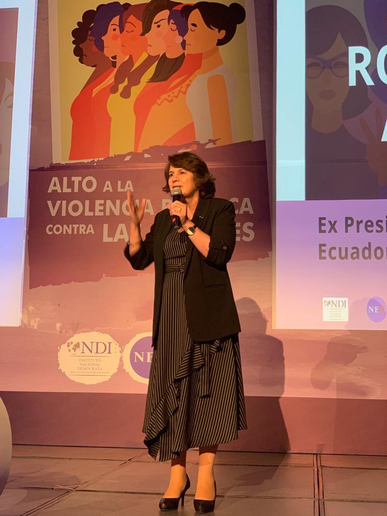 Rosalía Arteaga 3