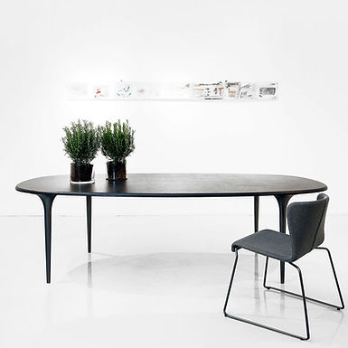 Organic Oval 240 dining table