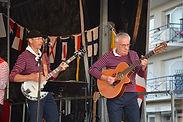 Les Fous de Bassan-guitaristes.jpg