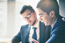 J&L Consulting meetng wth clients