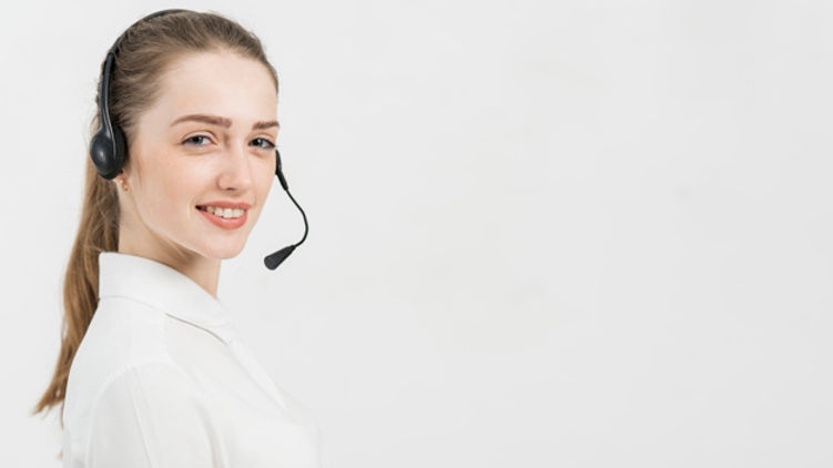 portrait-call-center-woman_23-2148094928