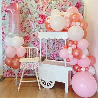 Junior lolly cart with 2m balloon garland