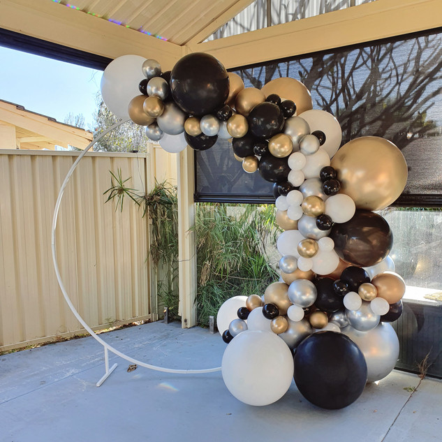 Round Backdrop Hire with Gold Balloon Ga