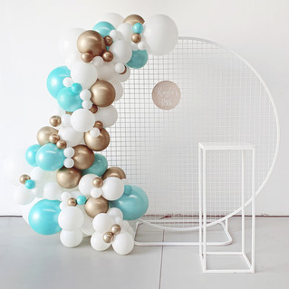 2m Mesh Backdrop with 2m Garland