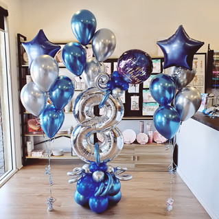 Balloon Marquee with matching Balloon Bouquets