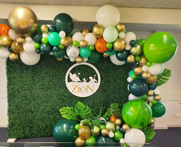 Jungle Theme Balloon and Backdrop