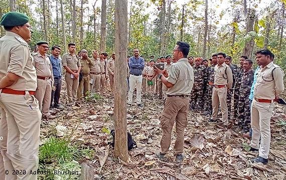 Trg Achanakmar Reserve forest staff.jpeg