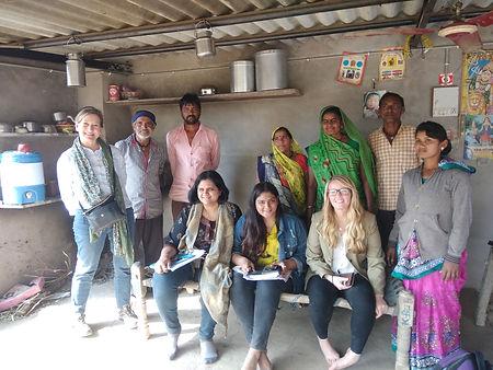 bhu-group-photo-non-bhungroo-farmers.jpg
