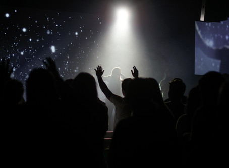 5 Worship Songs To Add To Your Playlist Right Now