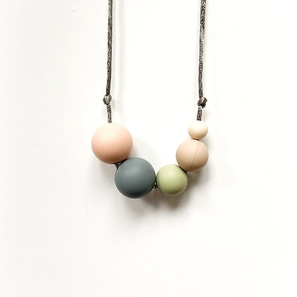 Mama Knows  - Teething Necklace (Millie - Naturals)