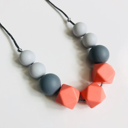 Mama Knows  - Teething Necklace (Molly - Salmon)