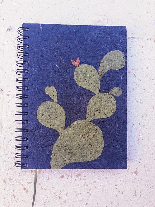 Caderno médio sem pauta