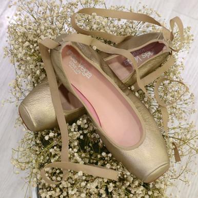 Modelo Bailarina de Punta y Cinta - Cobre