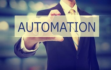 A test automation project requires the realization of an automation POC with several requirements