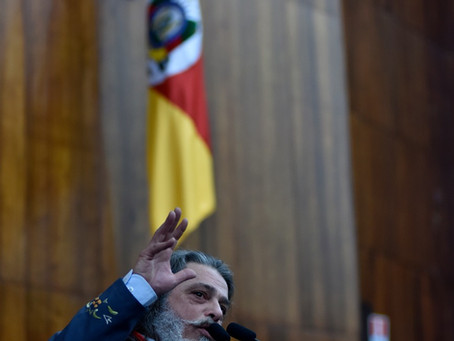 Marenco protocola PL para proteger Hino, Bandeira e Armas do RS