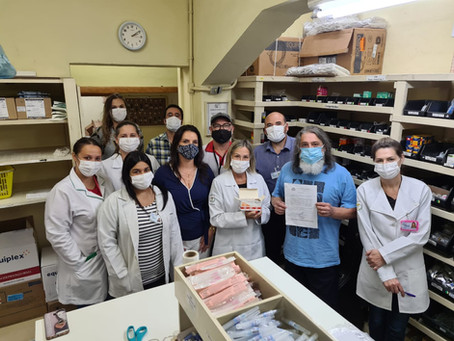 Marenco entrega doação de sedativos necessários para intubação à Santa Casa de Pelotas