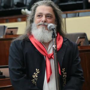Lei de autoria de Marenco denomina a ERS/561 como Rodovia Noel Guarany