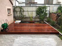 Terrasse bois avec intégration de bacs