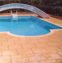 Dallage autour d'une piscine