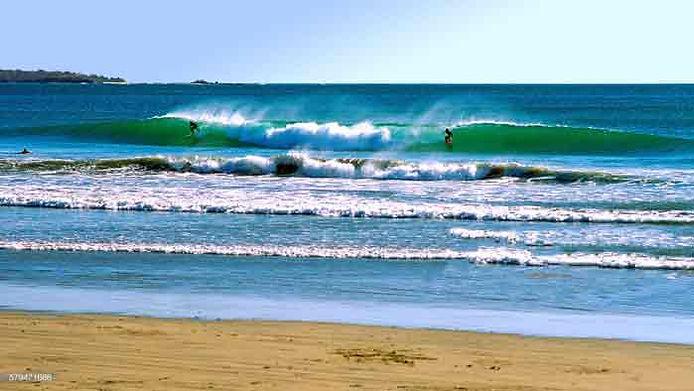 surfiar-playa-tamarindo.jpg