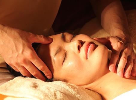 Natuurlijke facelift met Japanse gezichtsmassage