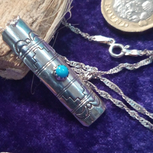 "Contemporary turquoise & silver pendant & 18"" necklace"