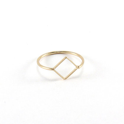 The Rhombus Ring in Gold