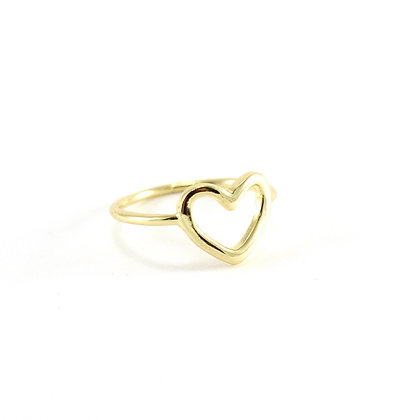 The Dainty Heart Ring in Gold