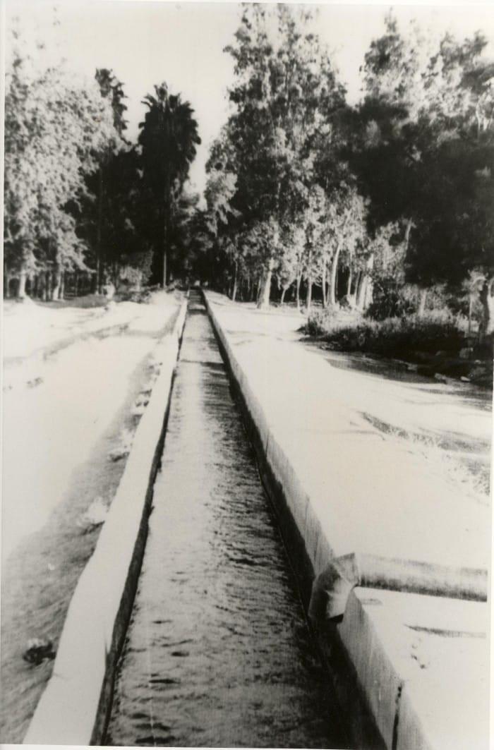 תעלת המים ההסטורית הזכורה לתושבי בית שאן היהודית הובילה את מי עין מודע ולא את מי האסי. קיבוץ ניר דוד לא הטה את מי תעלה זו ואף תעלה אחרת.