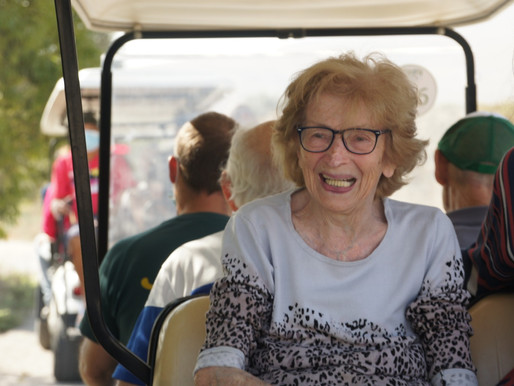 קיבוץ ניר דוד בשיתוף עם פארק המעיינות מזמין קשישים לטיול ברכב גולף ללא עלות לתקופת הקורונה