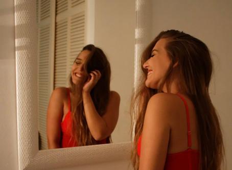 Quem você vê quando se olha no espelho?