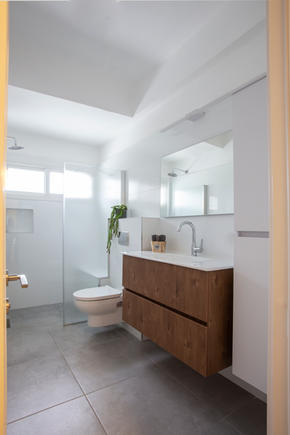 ארון אמבטיה מרחף פורמייקה דמוי עץ