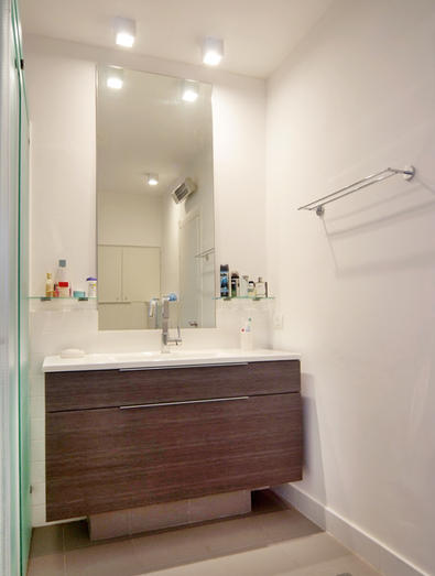 ארון אמבטיה צבע אגוז