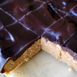 Scotcheroos - Chocolate Peanut Butter Bars
