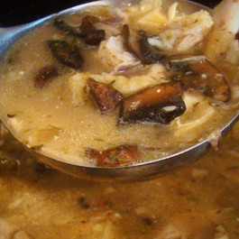 Slow Cooker Chicken and Mushroom Soup